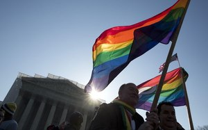 Slim lead for overturning DOMA among public