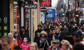 """Booming"" consumer confidence set to spur GDP growth"